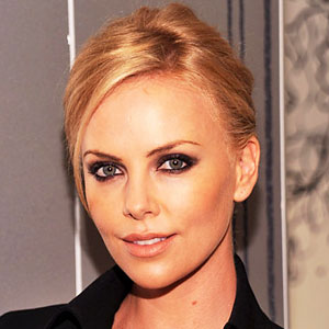 1009-charlize-theron-fashions-night-out-300.jpg