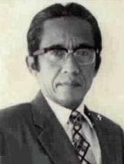 http://images.wikia.com/ceritasilat/images/5/57/Kho_Ping_Hoo_Sragen_1926-1994.jpg