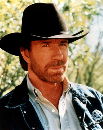 http://images.wikia.com/cinema/it/images/6/61/Chuck_Norris_2.jpg