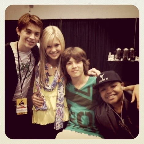 olivia holt and leo howard dating 2013