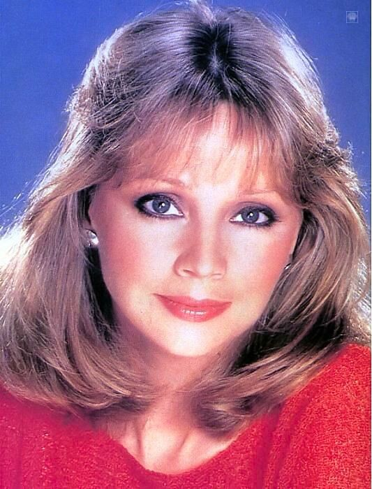 Shelley Long - Wallpaper Colection