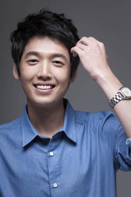 http://images.wikia.com/drama/es/images/5/5f/Jung_Kyung_Ho.jpg