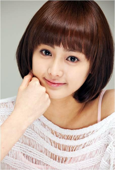 Min Ji - Photo Gallery