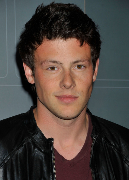 http://images.wikia.com/glee/fr/images/9/9c/Cory.jpg