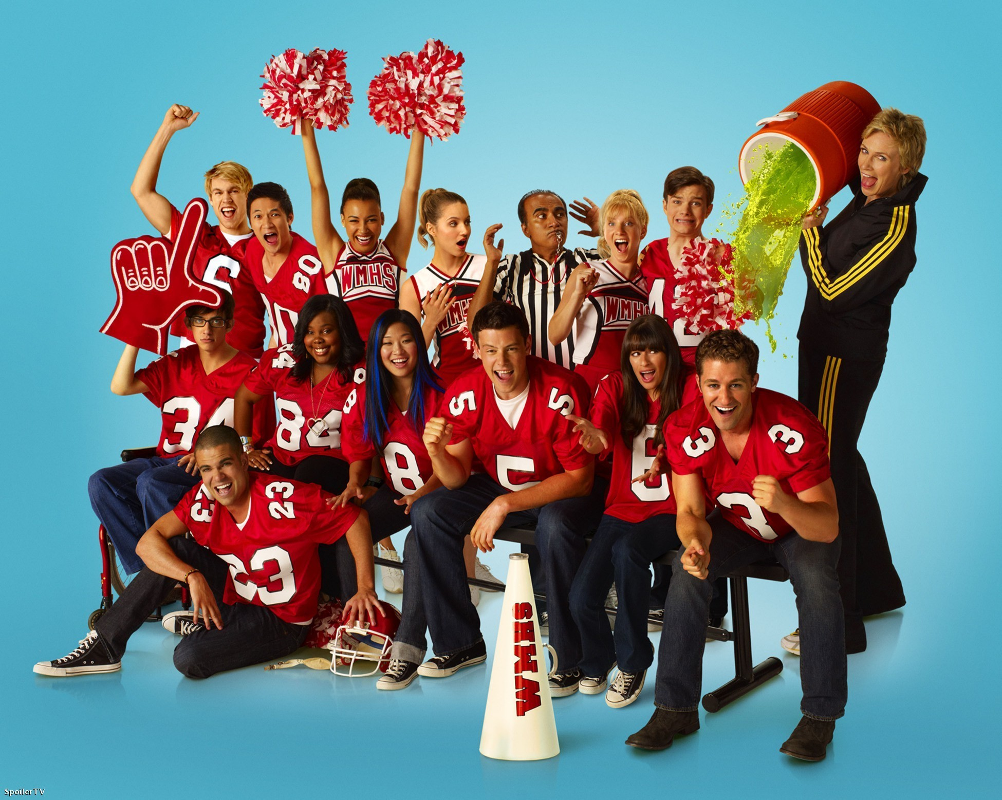 http://images.wikia.com/glee/images/0/0e/The_photoshoot.jpg
