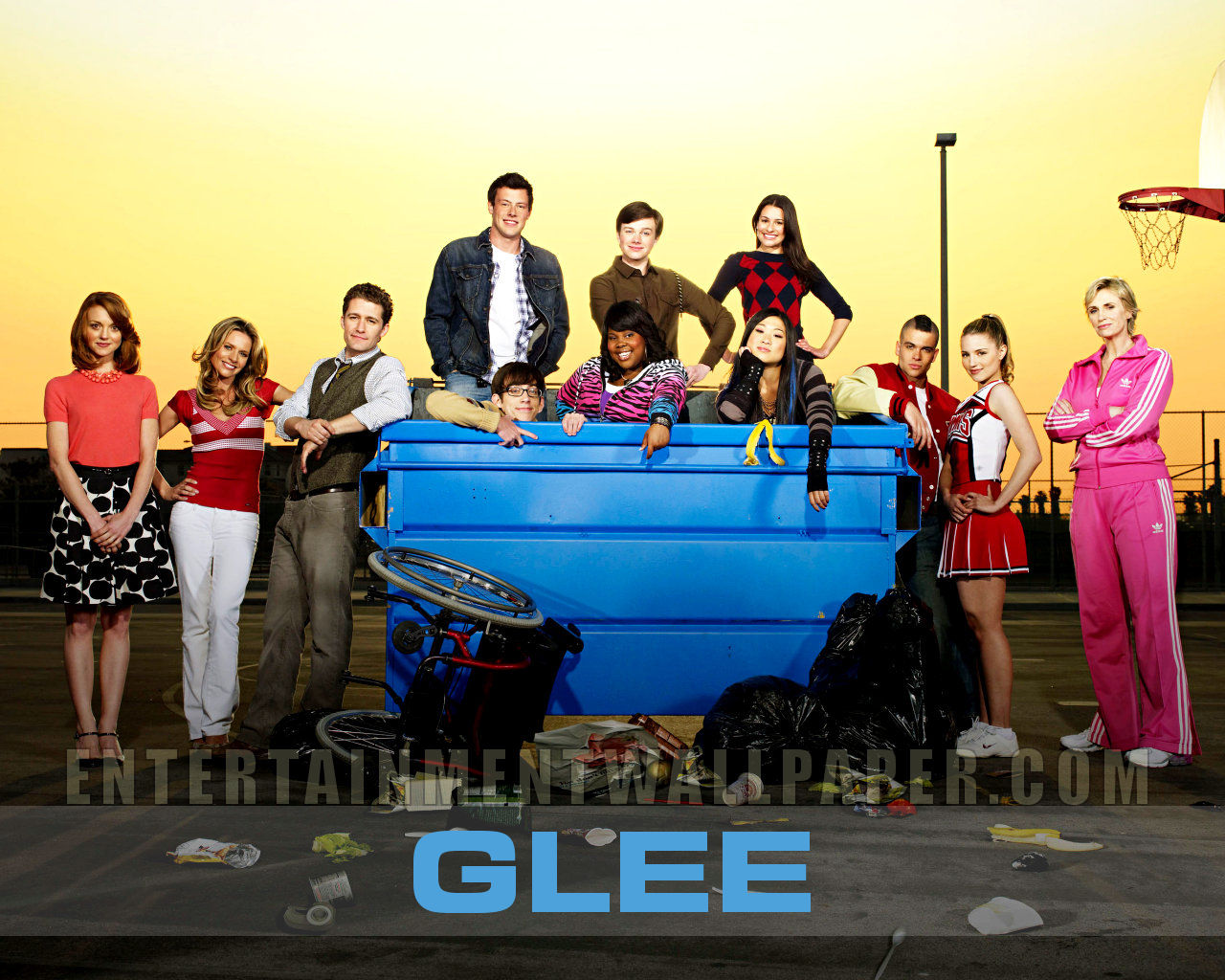 external image Tv_glee02.jpg