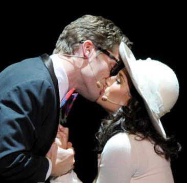 matthew morrison kissing guy. played by Matthew Morrison