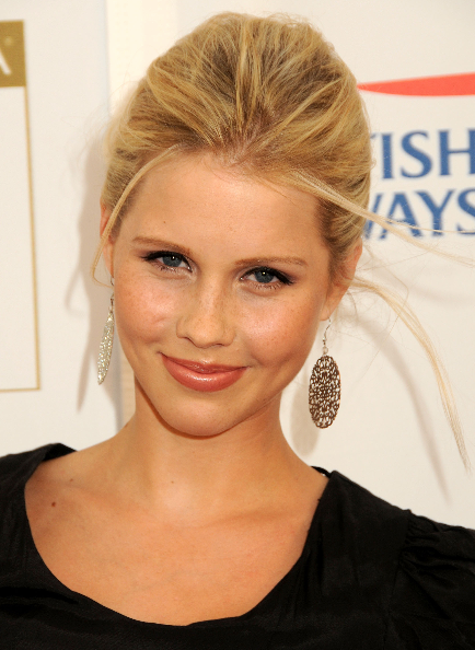 7sxy2ij5 - Claire Holt