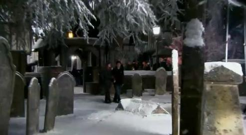 Godric's Hollow Harry_and_Hermione_at_Godric%27s_Hollow_cemetery_01