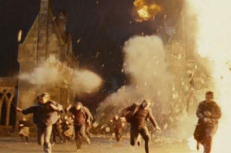 Image - Hogwarts castle on fire.jpg - Harry Potter Wiki