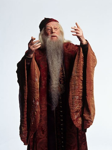 http://images.wikia.com/harrypotter/images/e/ee/Promo_pic_of_Richard_Harris_as_Professor_Dumbledore_(CoS).jpg