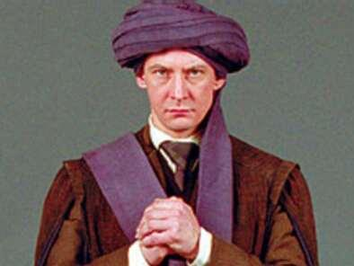 http://images.wikia.com/harrypotter/images/f/fd/Quirinus_Quirrell.jpg
