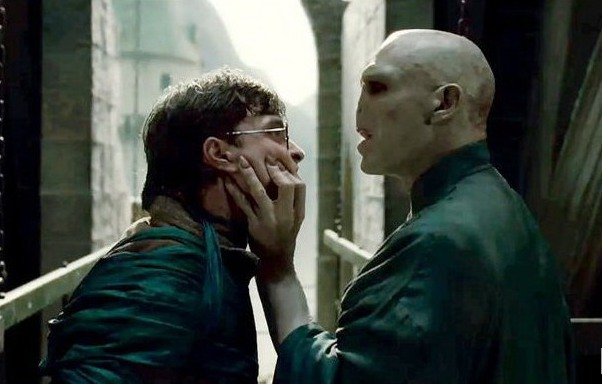 http://images.wikia.com/harrypotter/ru/images/b/b2/Harry-Potter-and-the-Deathly-Hallows_3A-Part-2-1412069.jpg