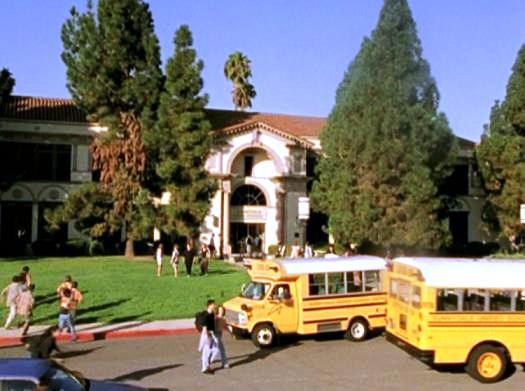 Sunnydale High Sunnydale_High_School_001