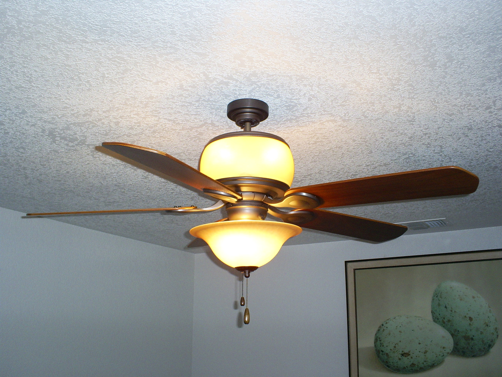 Ceiling Fan Rotation - Which Way Should the Ceiling Fan Rotation