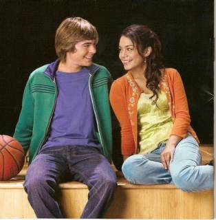 Is troy and gabriella dating