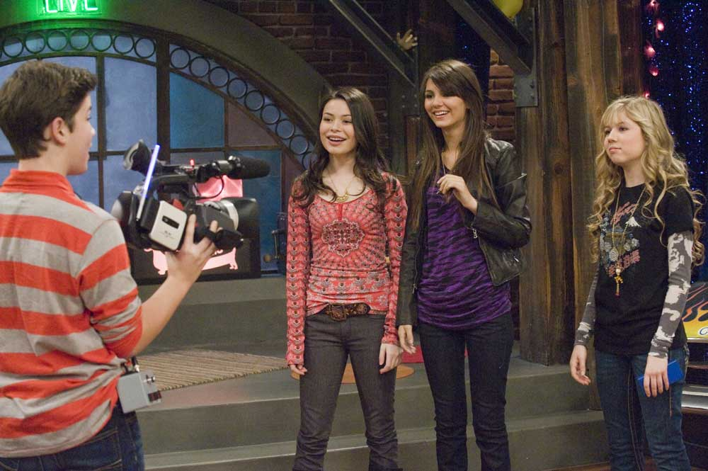 victoria justice icarly. min i fightshelby Ifight