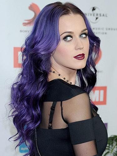 Ces couleurs de cheveux improbables qu'on aime - Page 3 Katy-Perry-purple-hair
