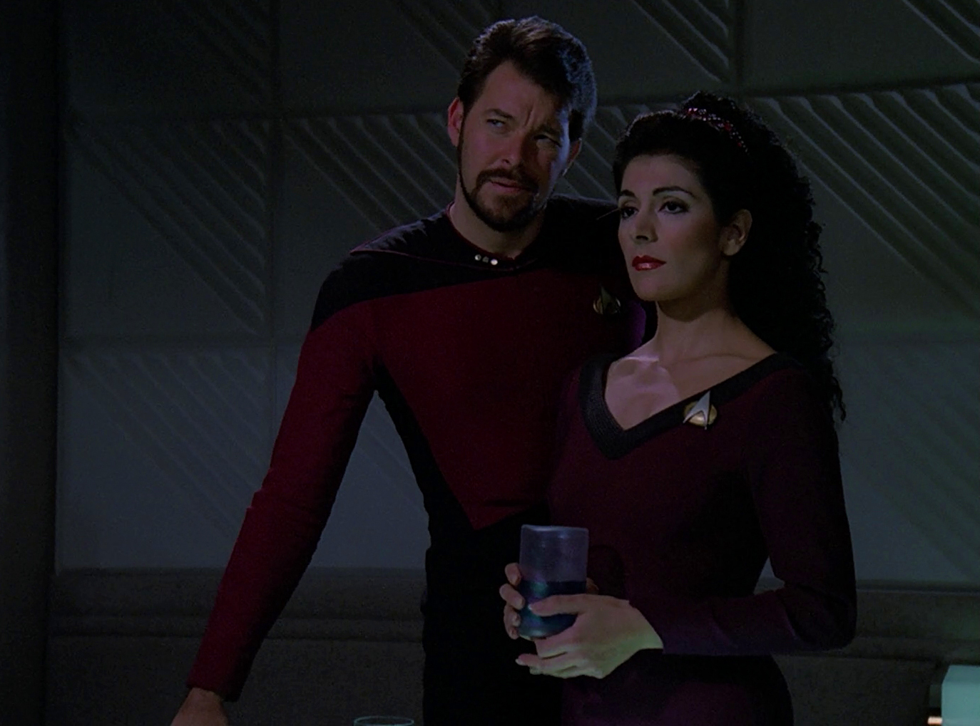 Riker and troi kissing http www pic2fly com riker troi html