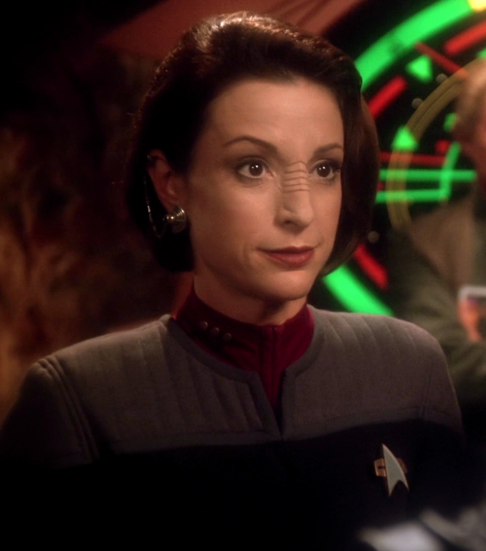 Kira_Nerys,_Starfleet_commander.jpg
