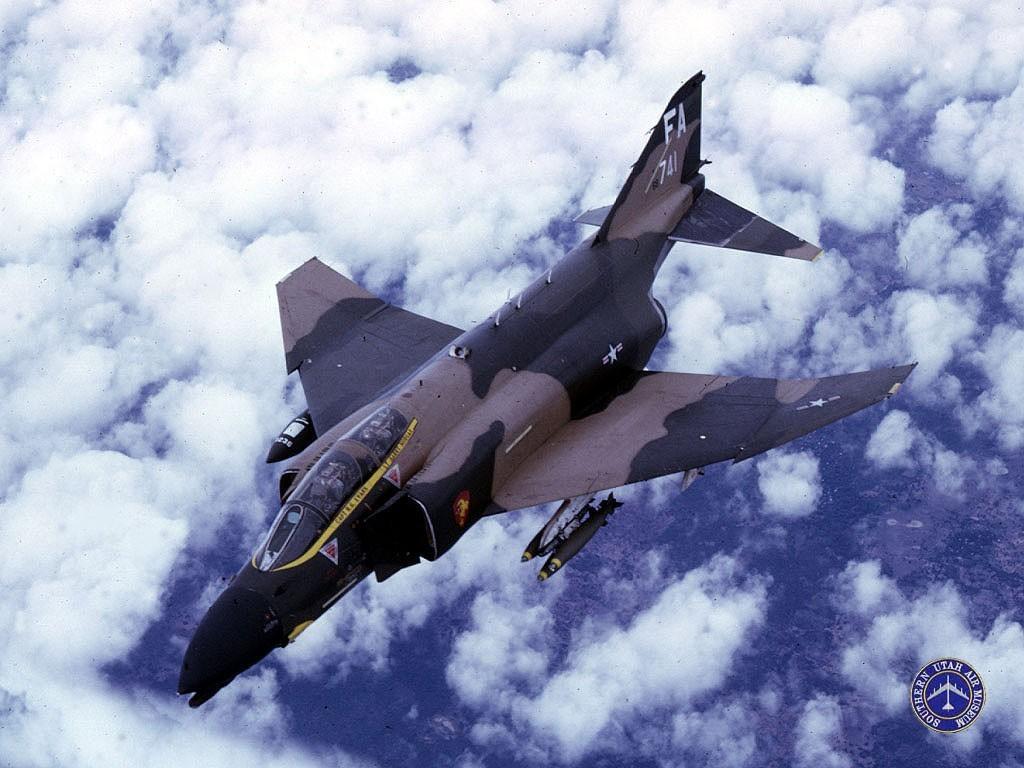 http://images.wikia.com/military/images/9/96/F4-phantom.jpg