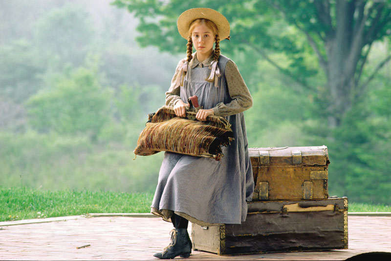 http://images.wikia.com/officialanneofgreengables/images/2/29/Anne_Shirley.jpg