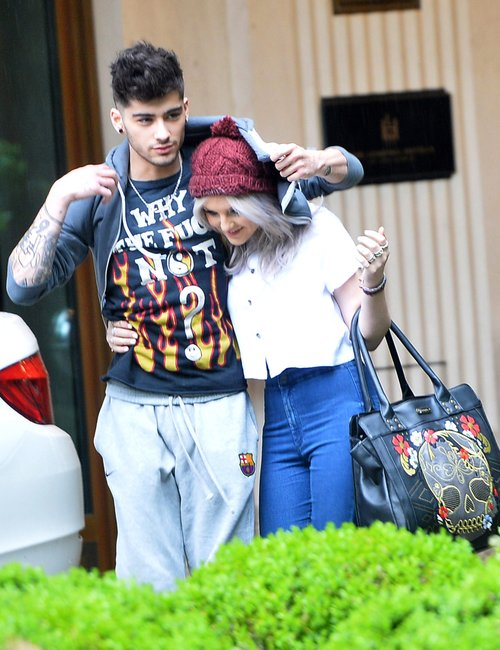 http://images.wikia.com/onedirection/de/images/1/11/Zayn-malik-and-perrie-edwards-1369746279-custom-0.jpg