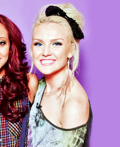 http://images.wikia.com/onedirection/images/6/65/Perrieedwards.png