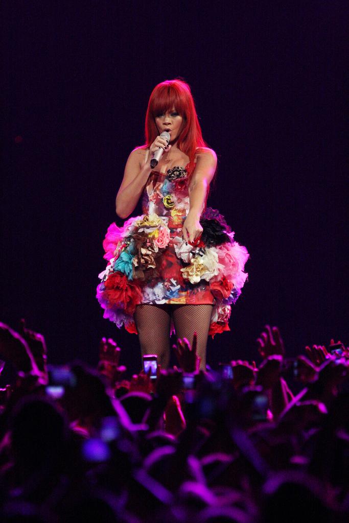 Rihanna 2011.jpg