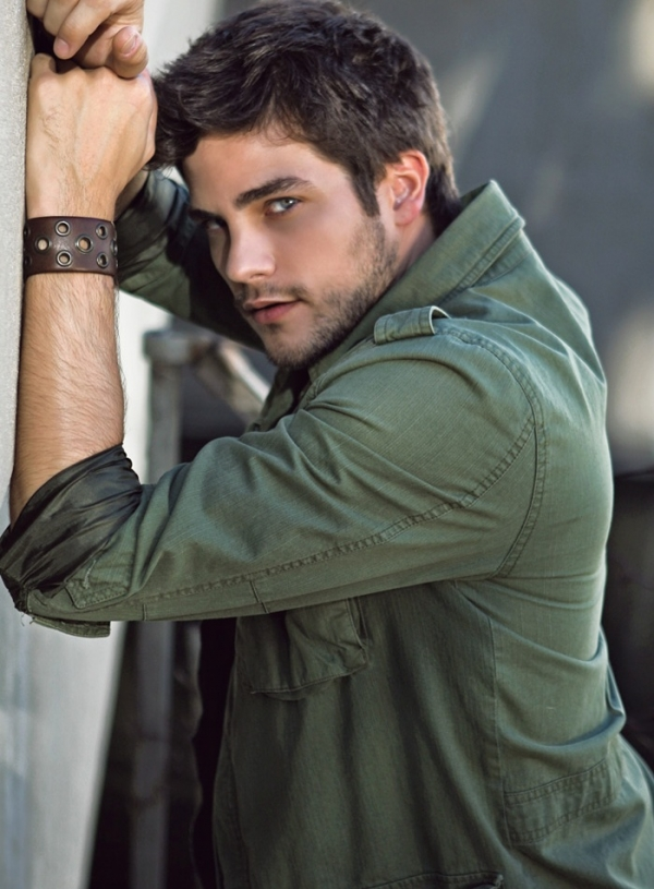 Brant Daugherty - Picture Gallery