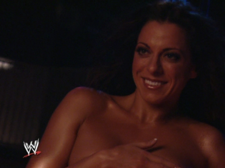 [IMG]http://images.wikia.com/prowrestling/images/0/08/DAWN_MARIE_PHOTOSHOOT_013.jpg[/IMG]