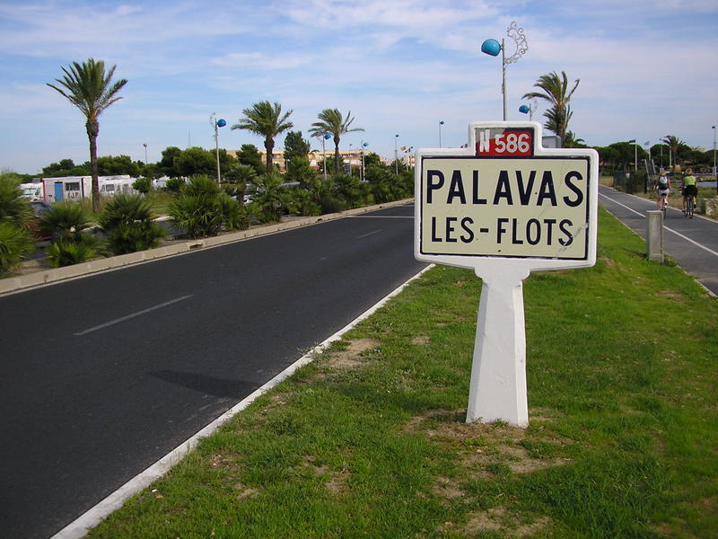 http://images.wikia.com/routes/images/2/20/N586_-_Palavas_1.jpg