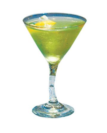 около 160 ккал.  Apple Martini или Appletini (Яблочный Мартини)