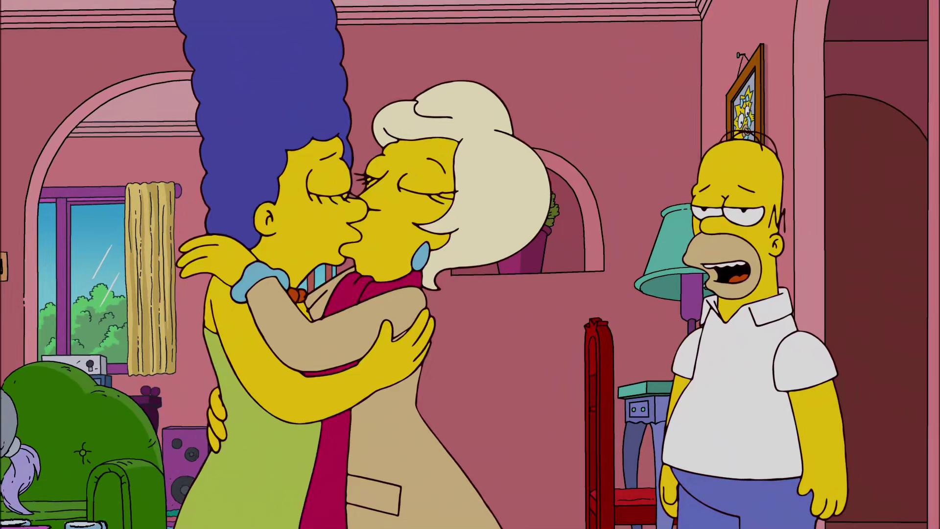 Vanessa hudgens kissed a girl