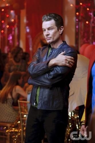 http://images.wikia.com/smallville/images/6/66/Brainiac_5_Smallville-1.jpg