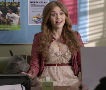 http://images.wikia.com/teenwolf/images/5/59/Lydia-martin-teen-wolf-fashion.jpg