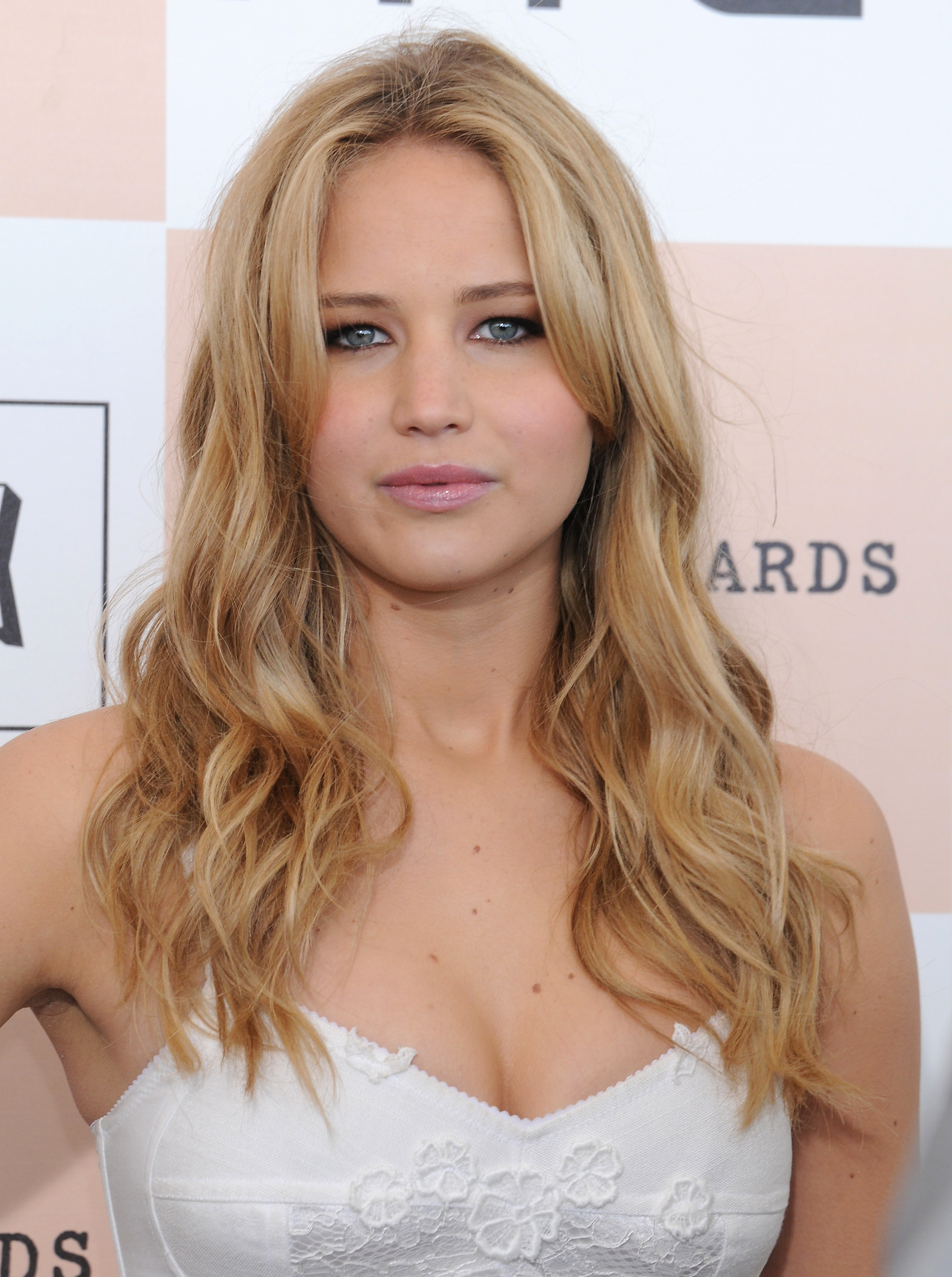 Jennifer Lawrence Makeup Tutorial: Jennifer-lawrence-boyfriend.jpg