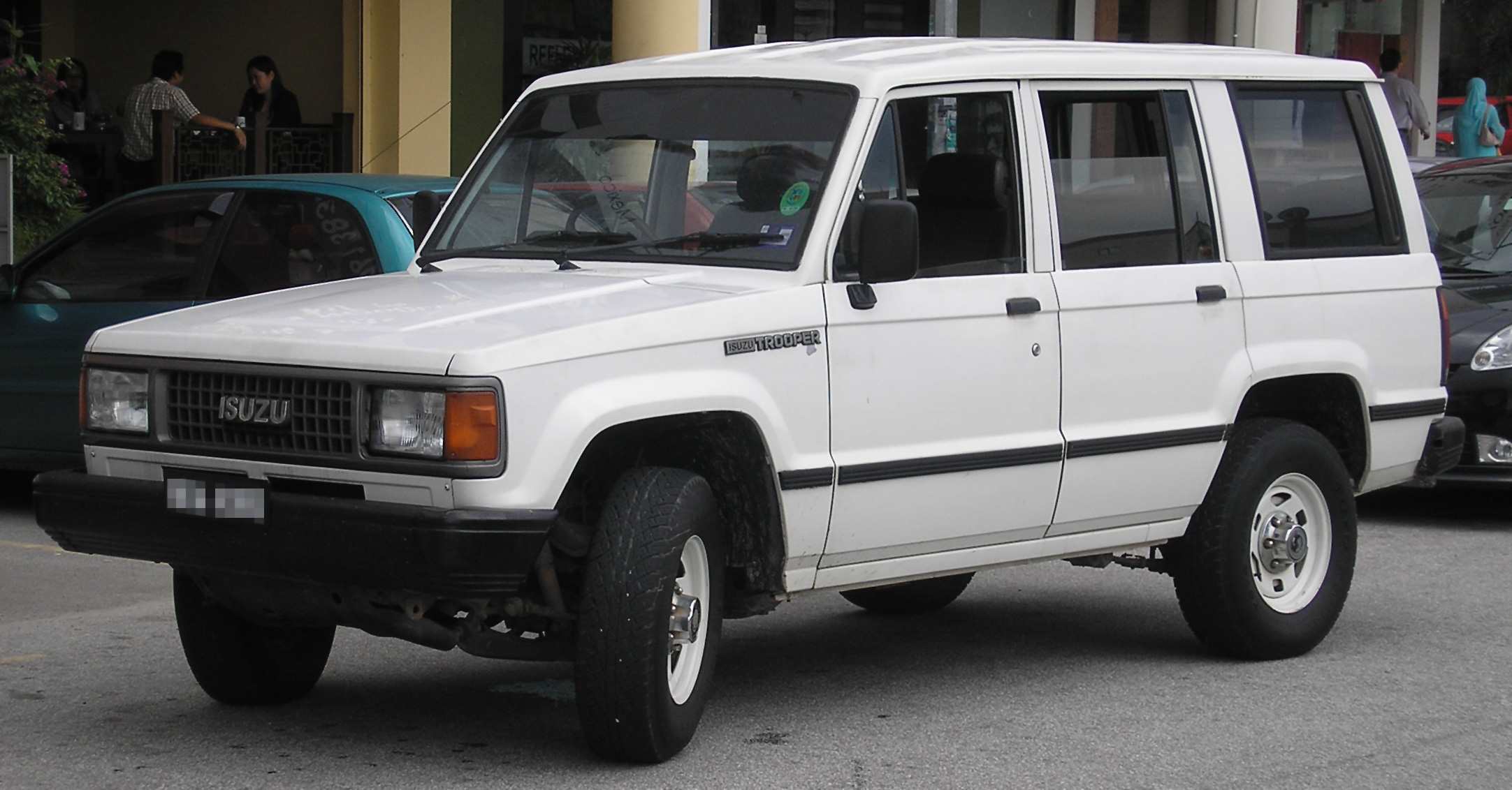 Isuzu_Trooper_%28first_generation,_first