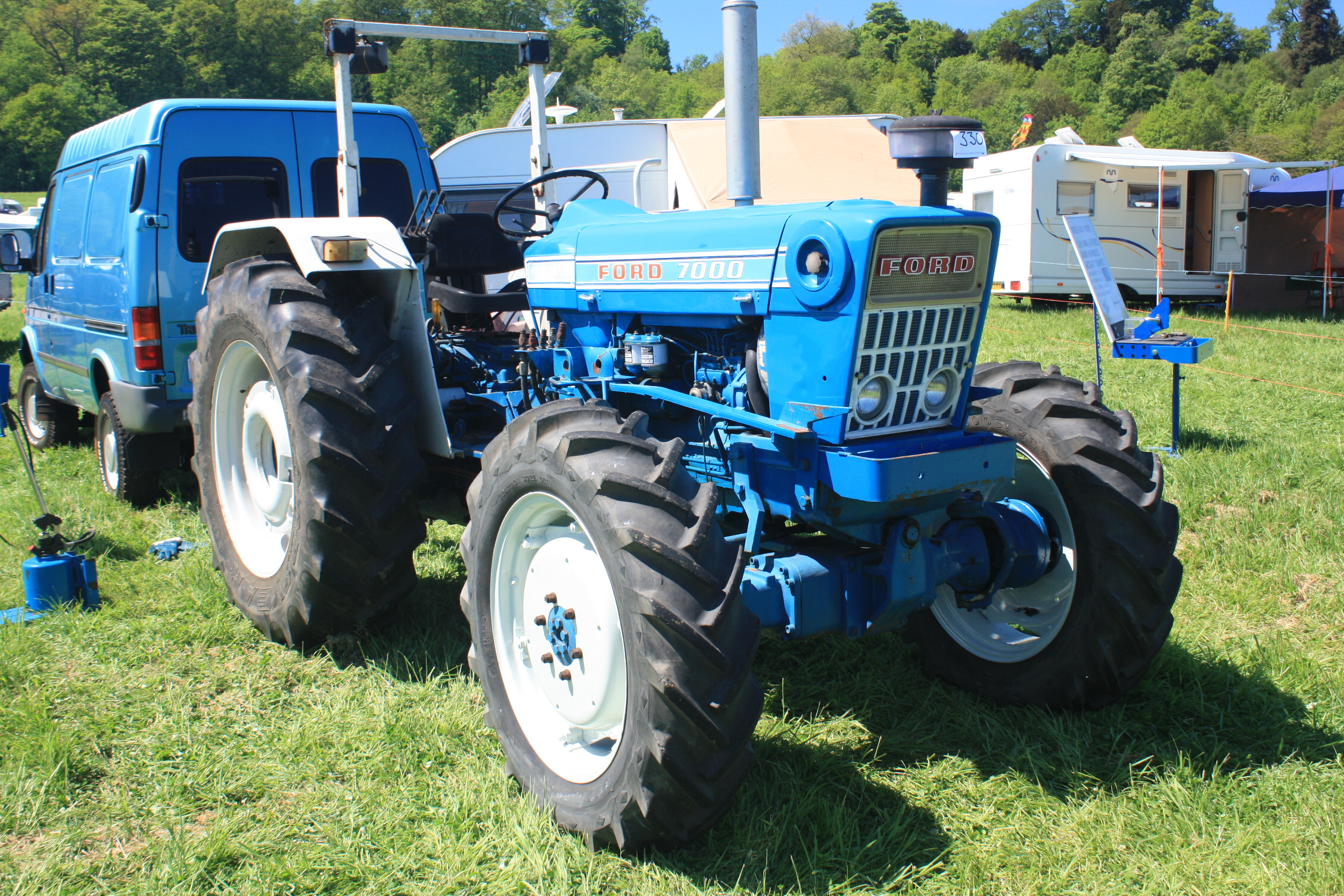 Ford 4000 Tractor Fenders : Ford tractor autos we