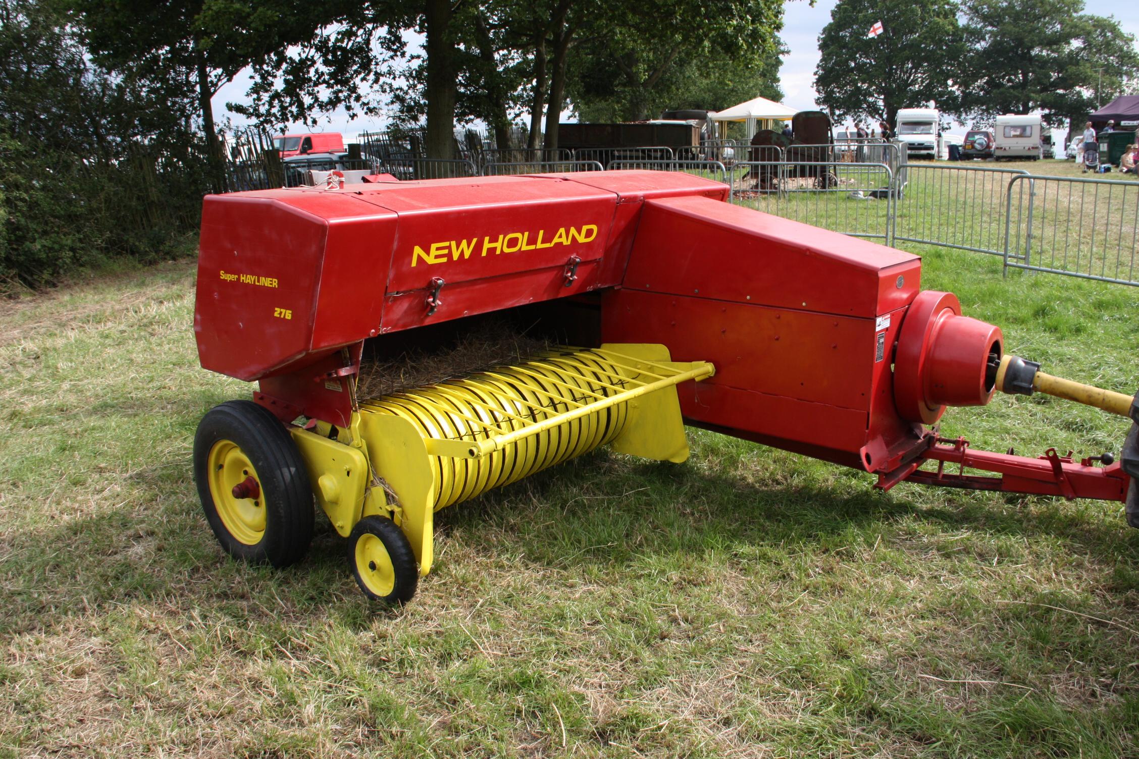 File:New Holland 276 baler - at Netley Marsh 11 - IMG 7288.jpg
