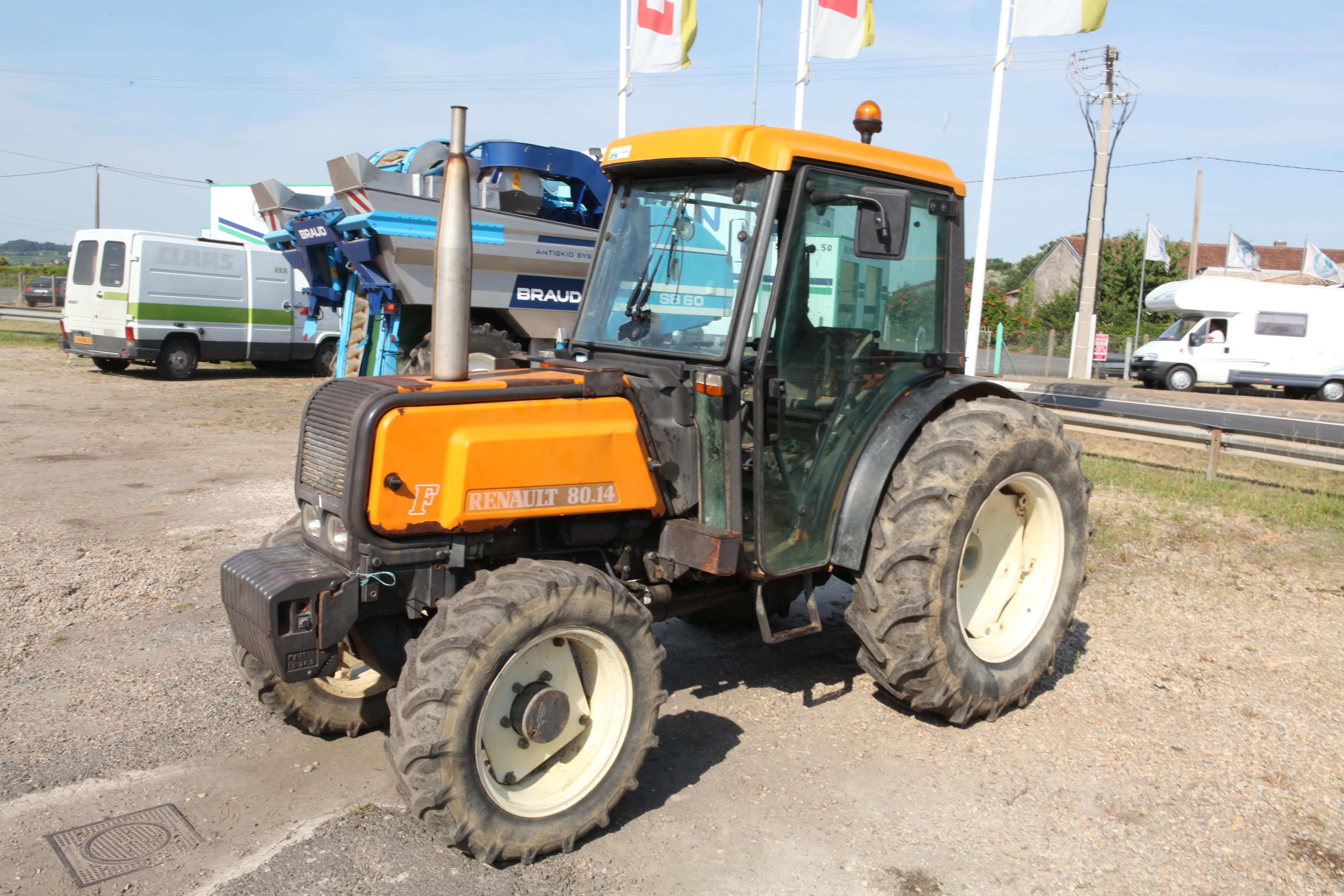 Renault Tractor Models