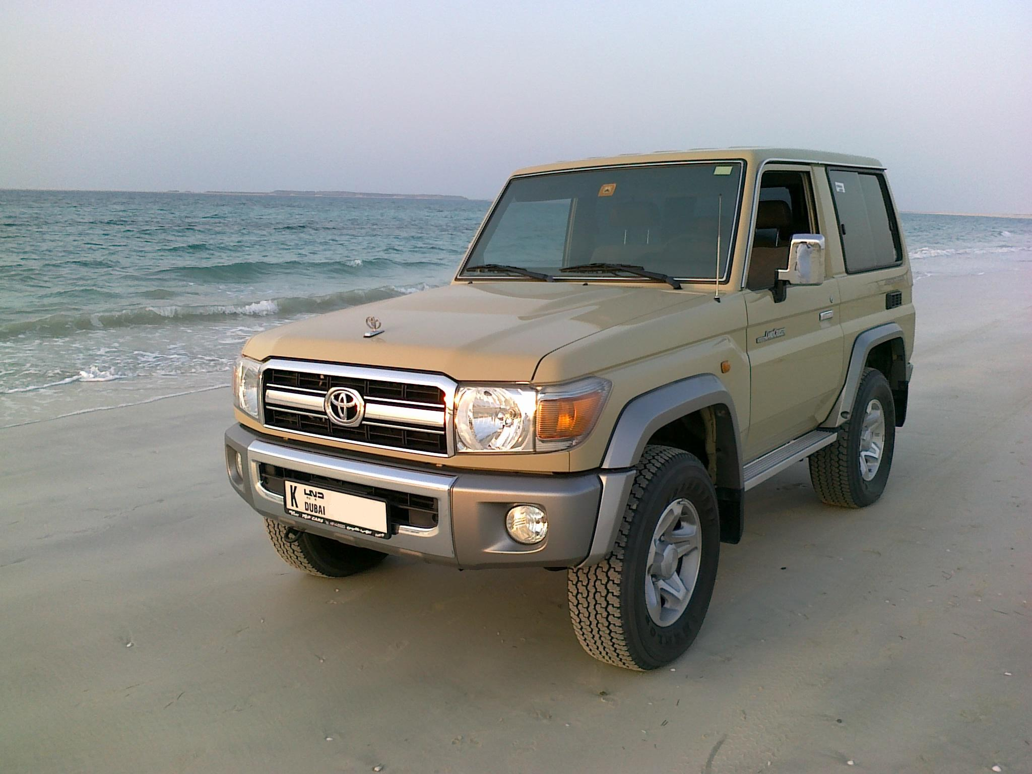 http://images.wikia.com/tractors/images/d/df/LANDCRUISER70-2009.JPG