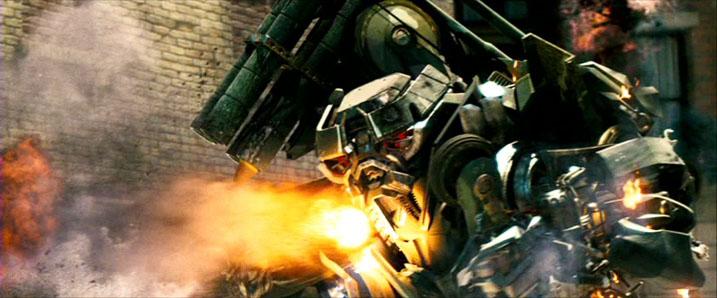 Q&R: Parlons de robots TF | TF sont bio-mécaniques ou mécanique? | Sideshow | Échelle des jouets | etc Movie_Brawl_dies
