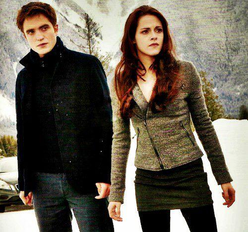 """KPattzlove: Edward and Bella """"twilight kiss"""" wins Portrait magazines ..."""