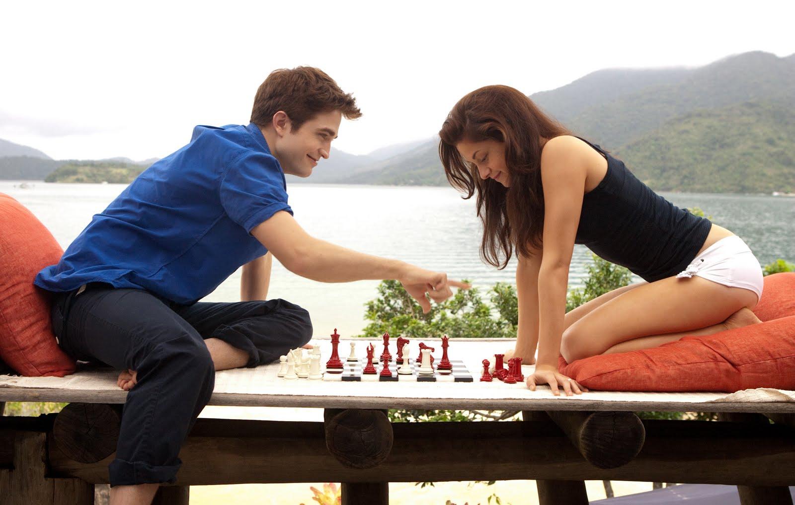 Honeymoon_playing_chess - Romantic Checkmate - Love Talk