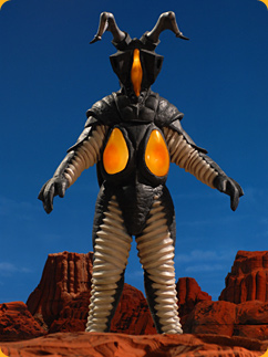 http://images.wikia.com/ultra/images/7/74/Zetton_Mebius.png