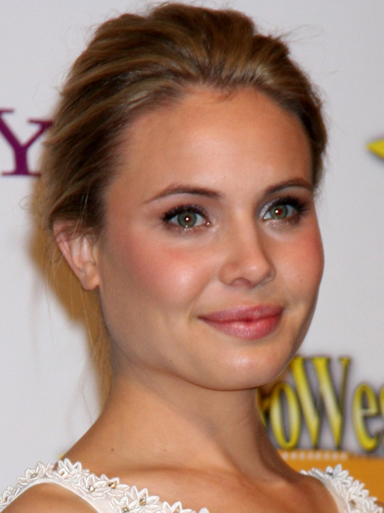 leah pipes - photo #27