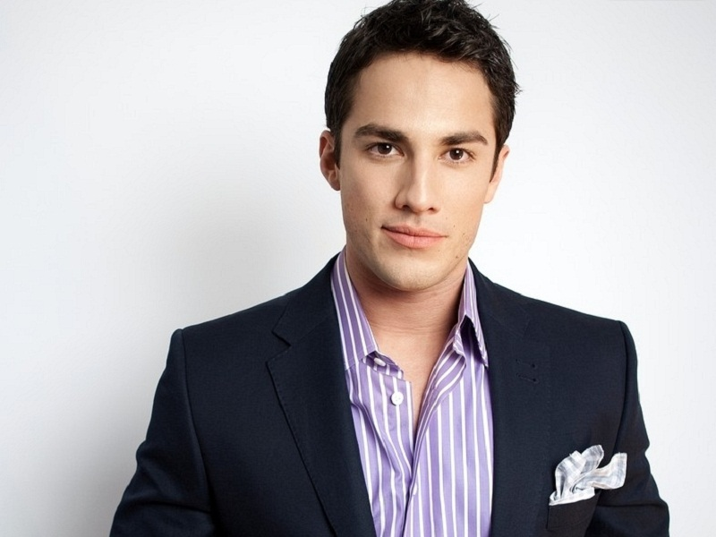 http://images.wikia.com/vampirediaries/images/d/d0/Michael-Trevino-michael-trevino-25858177-800-600.jpg