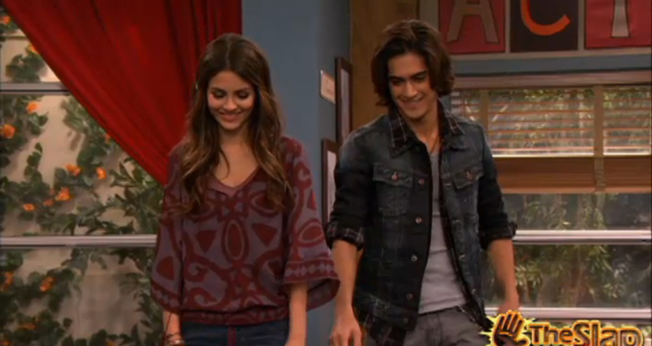 victorious beck falls for tori