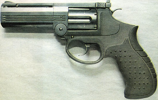 revolvers of old west. REVOLVERS OF THE OLD WEST